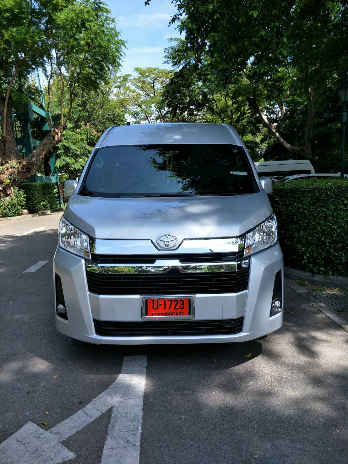 New Toyota Commuter HuaHinCab 2